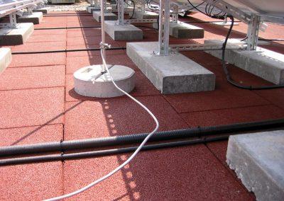 KRAITEC step als Schutzlage unter Photovoltaikanlage
