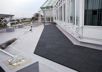 KRAITEC step as maintenance way on flat roofs, airport Munich
