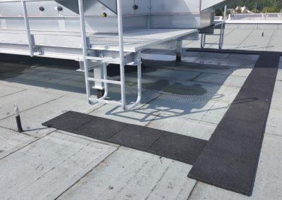 KRAITEC step als Wartungsweg auf Flachdächern