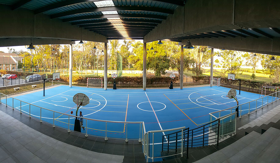 UNI versa basketball court